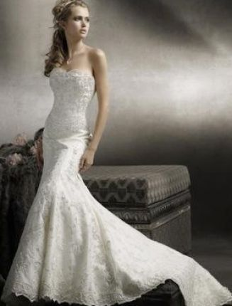 Best dresses for curvy women short hairstyle 2013 for Wedding dresses for short curvy women