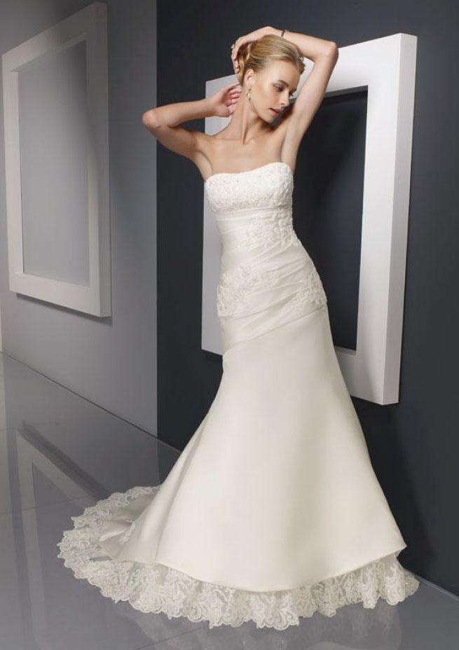 best wedding dresses for short women pictures 4