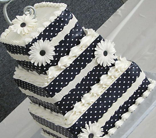 Black And White Wedding Invitations Templates. white wedding cakes with