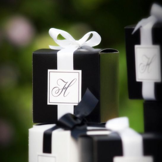 black and white wedding decorations ideas