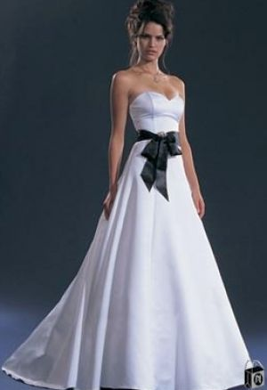 black and white wedding dress with sleeves pictures 2