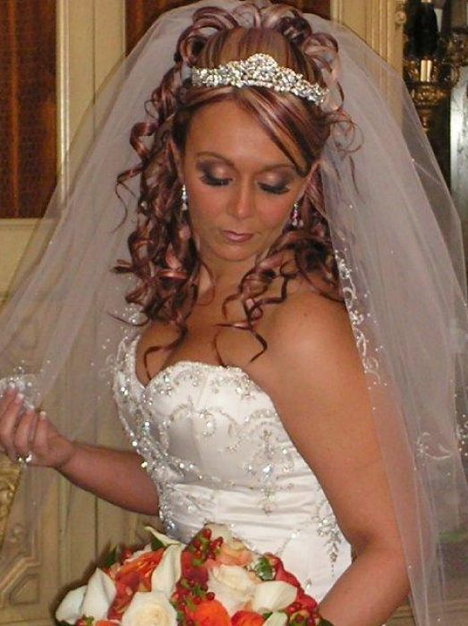 bridal hair with tiara and veil