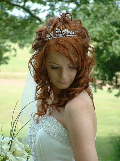 Great Wedding Hairstyles for Long Hair with Tiara 409 x 546 · 44 kB · jpeg