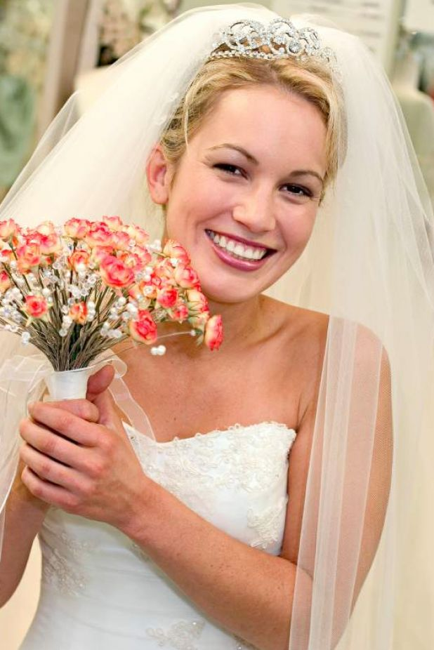 Wedding hairstyles for a tiara amp; veil ehow com