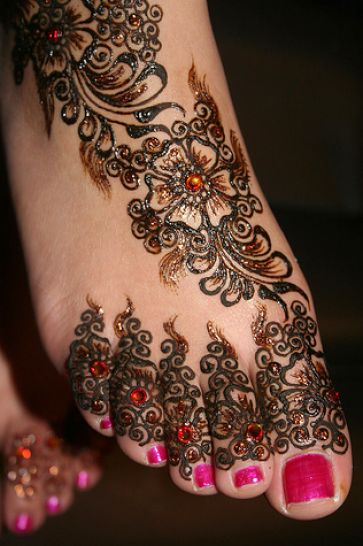 bridal mehndi designs feet 2