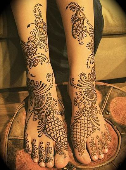 bridal mehndi designs feet 3