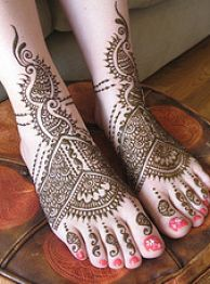 bridal mehndi designs for legs 4