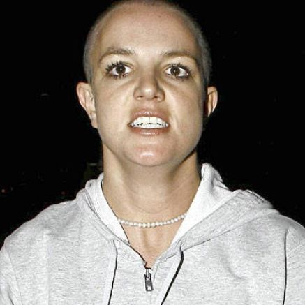 britney spears bald hair. ritney spears bald head.