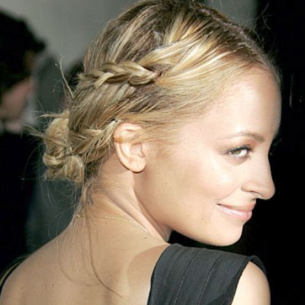 Cute and easy hairstyles for medium hair pictures 2