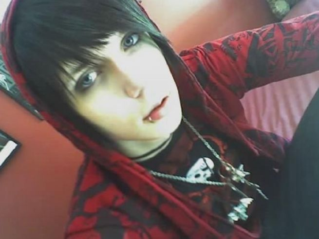 cute emo guys with black hair 4