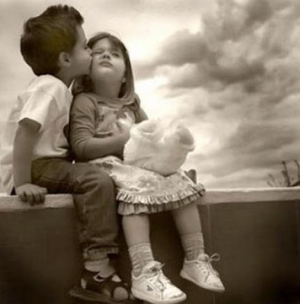 Cute little boy and girl hugging pictures 1