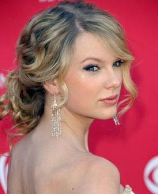 Cute Hair Cuts  Medium Hair on Cute Prom Hairstyles For Medium Hair Pictures 4