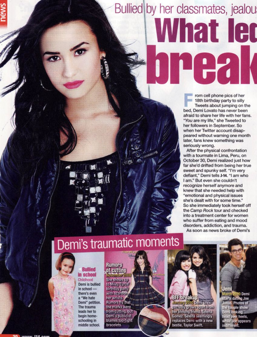 Demi lovato 2011 out pictures 1
