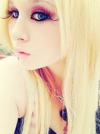 Emo Haircuts For Girls With Long Blonde Hair. Long Medium Short londe Emo hairstyle for girls,From a lot of emo hairstyles, I think londe emo hair is the sexiest one.