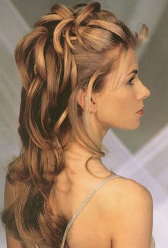 Half up half down curly prom hairstyles pictures 2