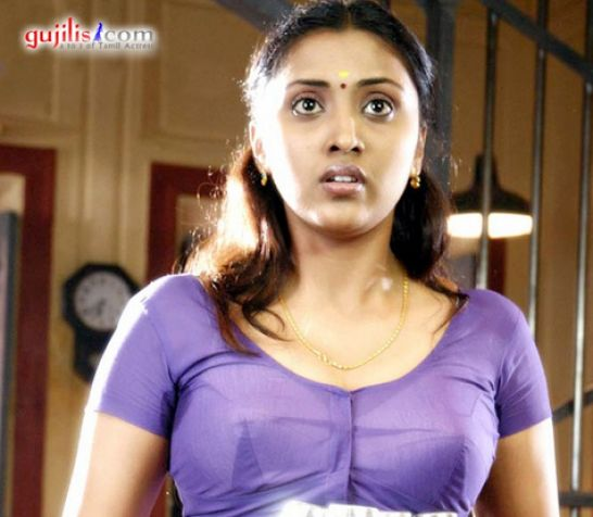 Hot South Actress In Blouse Pictures 1