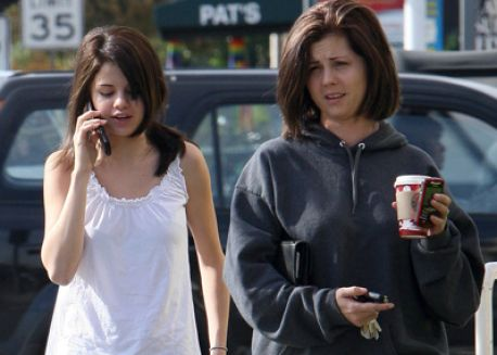 selena gomez mom dad. selena gomez#39;s mom and dad
