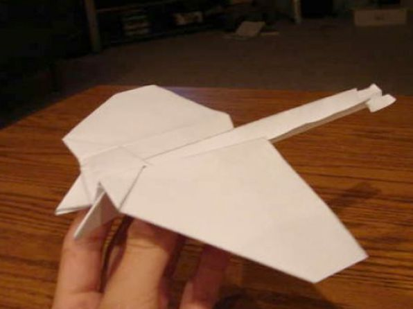 how to make a paper airplane that flies over 100 feet 2