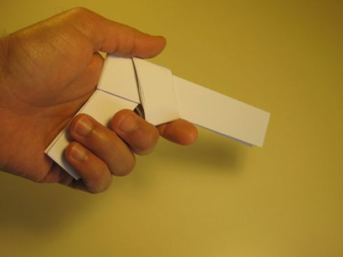 How to make a paper gun that shoots pictures 2 dbUIn568
