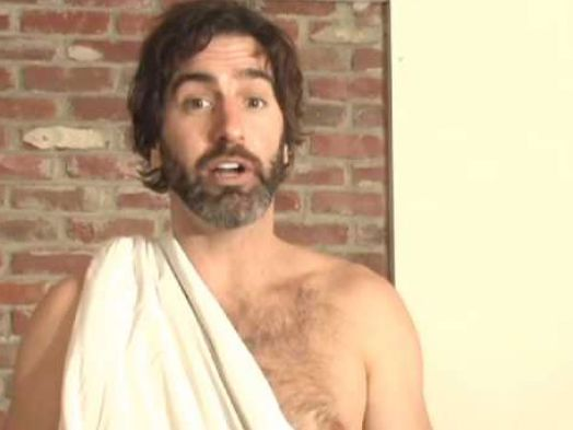 how to make a toga out of a pillowcase 3