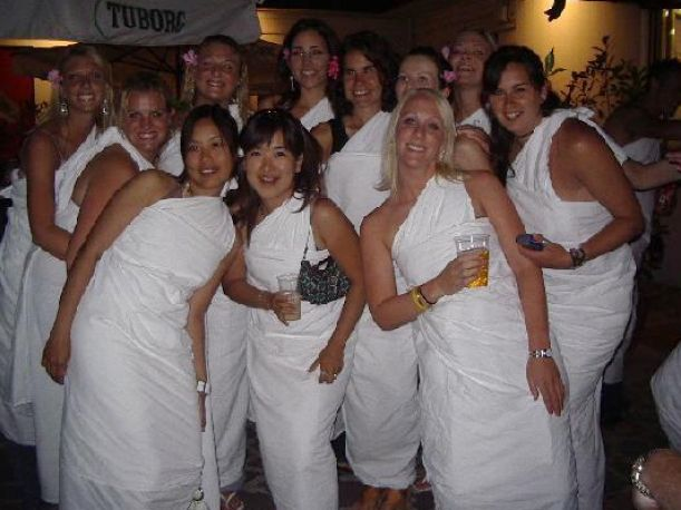 How To Make A Toga Out Of A Sheet For Women | Apps Directories