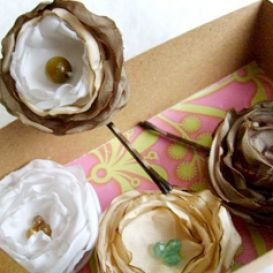 How to make hair flowers out pictures 1