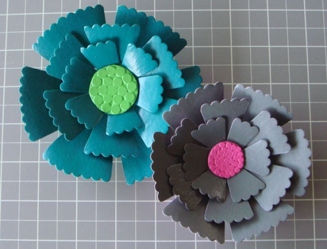 How to make paper mache flowers pictures 1