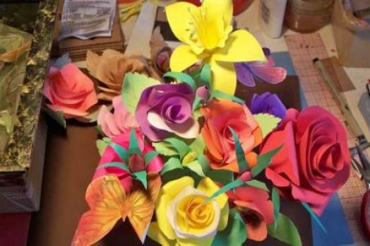 How to make paper roses with construction pictures 1