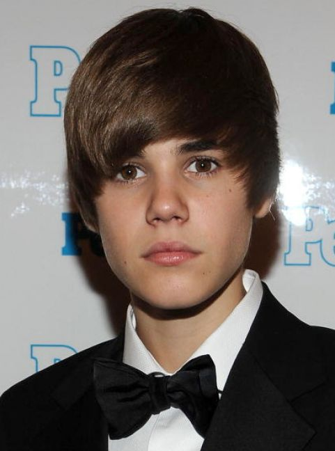 justin bieber haircut pictures 2011. Justin bieber new haircut 2011