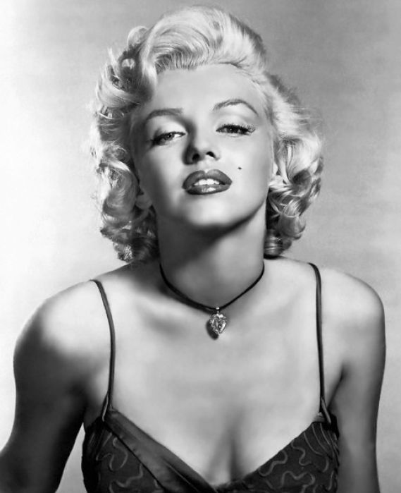 Marilyn+monroe+death+pictures