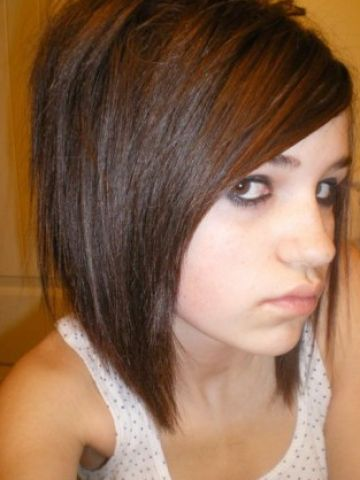 Medium layered bob with bangs pictures 1