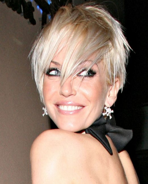 Medium layered haircuts for women over 50 pictures 3