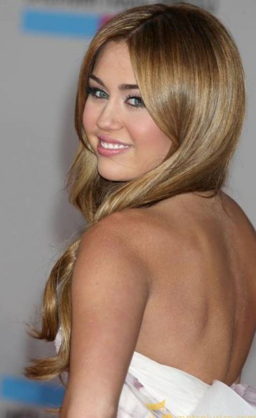 miley cyrus 2011 pics. miley cyrus pictures of 2011.