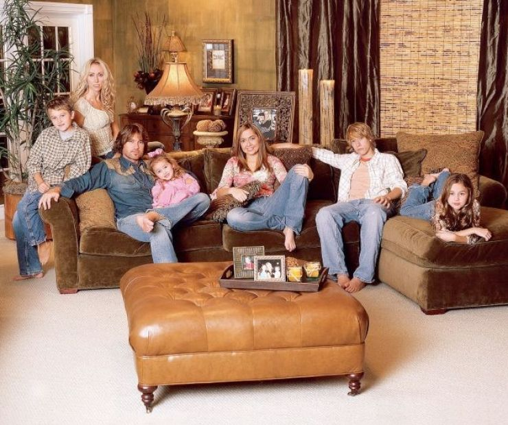 Miley cyrus and her family 2011 pictures 1