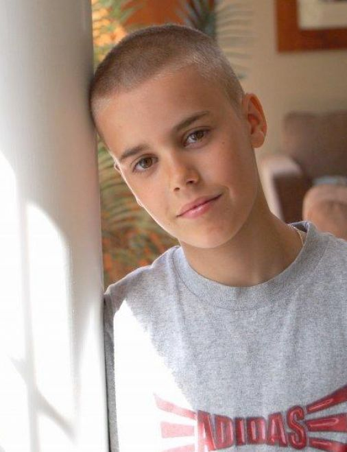 justin bieber new haircut pictures. Justin Bieber New Haircut 2011