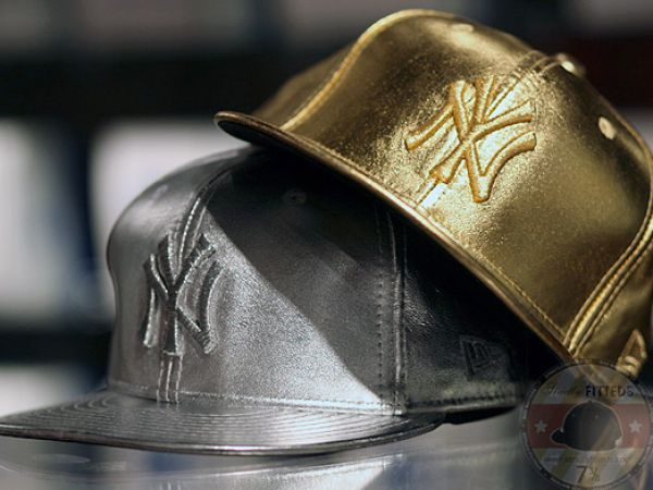 New york yankees logo gold pictures 2