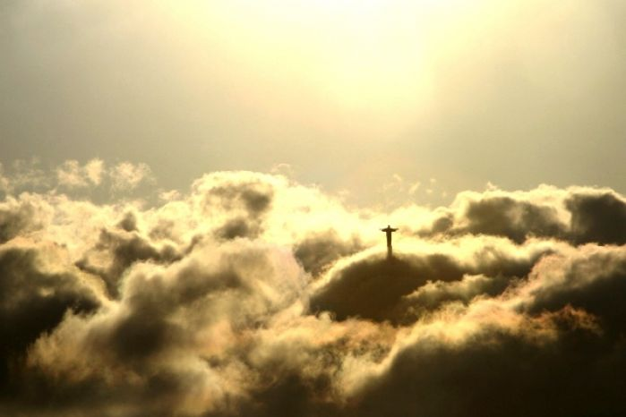 pictures of jesus in the clouds 3