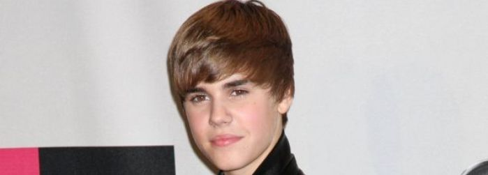 justin bieber eyes. Justin bieber has a black eye