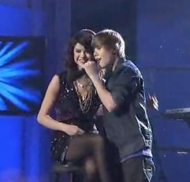 Justin bieber and selena gomez death threats over kissing
