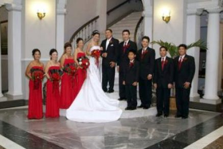 Black  White Dress on Red Black White Wedding Bouquets Pictures 1