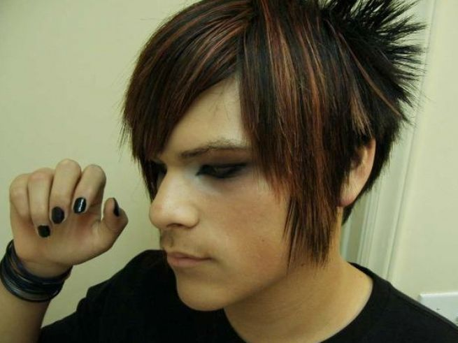 Outstanding Boys with Emo Hairstyles for Short Hair 655 x 491 · 38 kB · jpeg