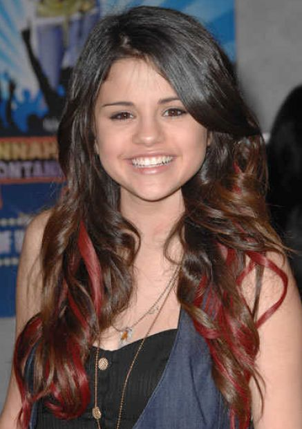selena gomez hair. What color does selena gomez
