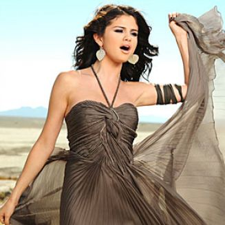 Selena gomez in a year without rain dress pictures 4