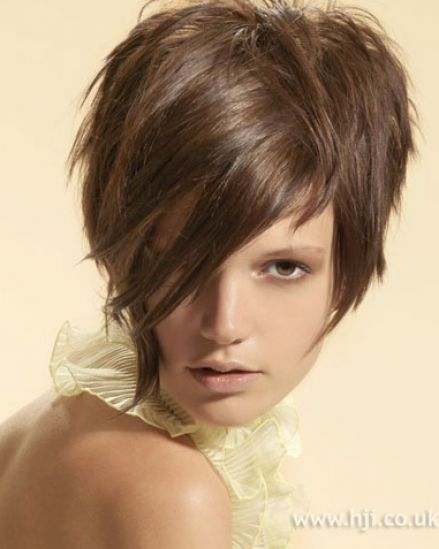 short hairstyles with fringe. Celebrity short hairstyles.