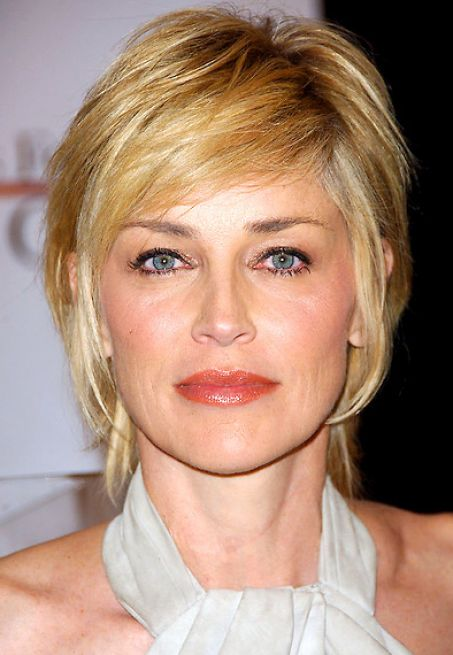 Hairstyles For Short Layered Hair With Side Bangs : Short layered hairstyles with side swept bangs pictures 4