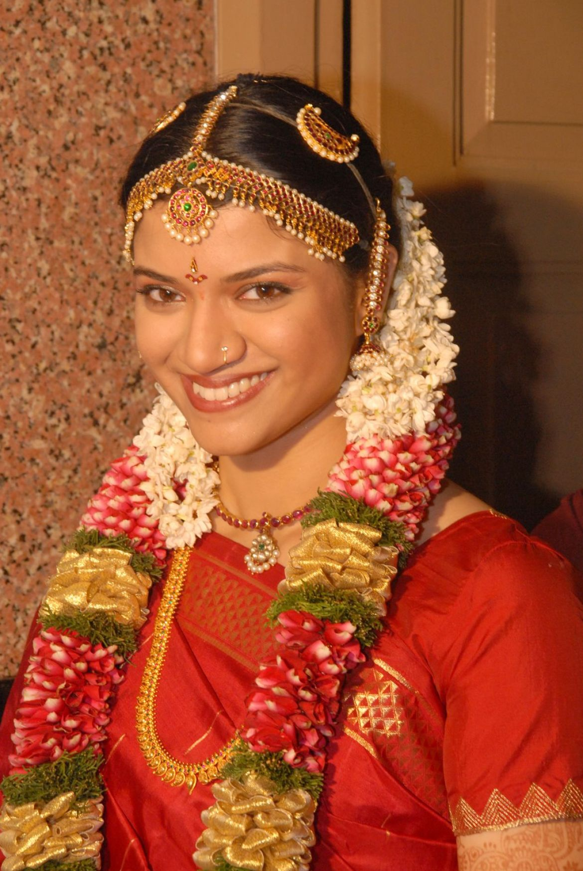 south indian bridal hairstyles for reception 1
