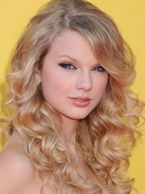 Taylor swift hairstyles down pictures 3