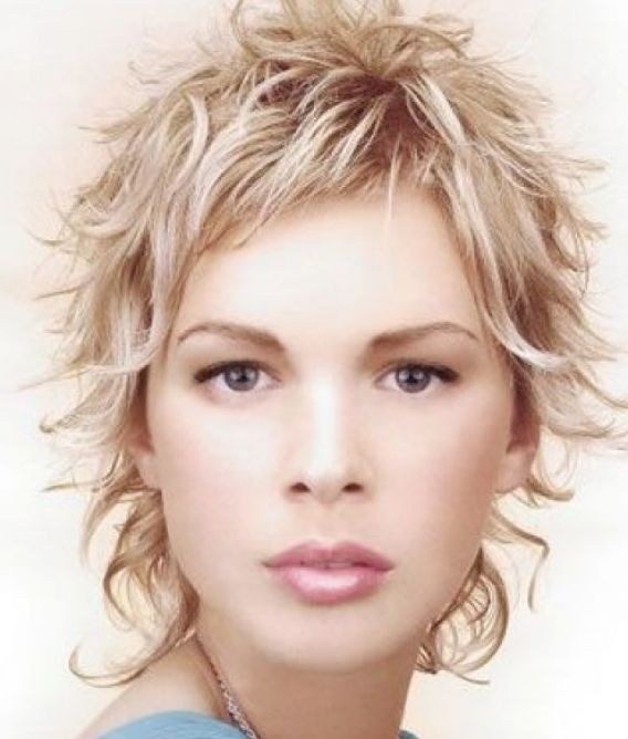 Very short curly hairstyles 2010 pictures 4
