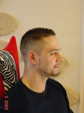 Very short hair styles for men pictures 2