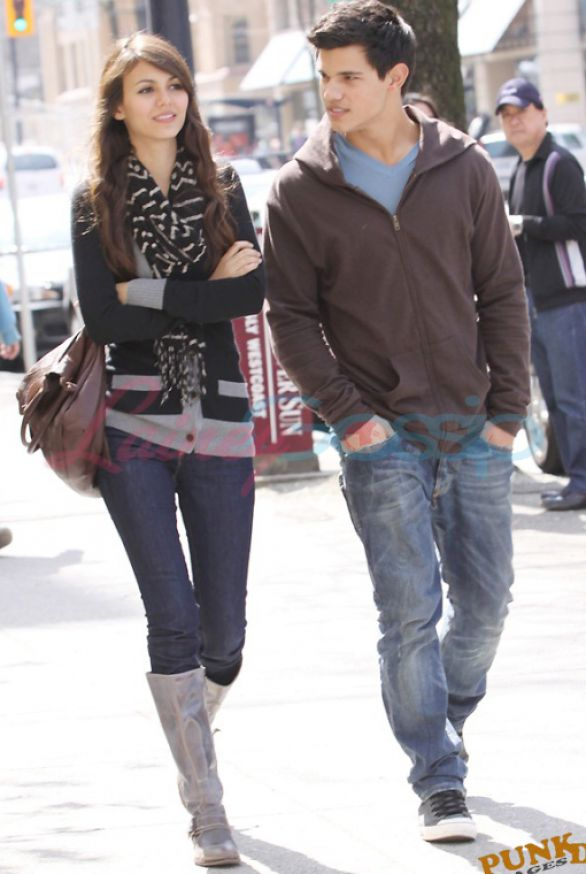 Taylor Lautner and Victoria Justice